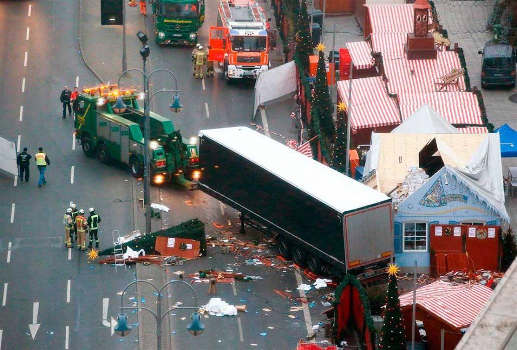 Ataque con camión en Berlín pudo ser peor gracias los frenos automáticos