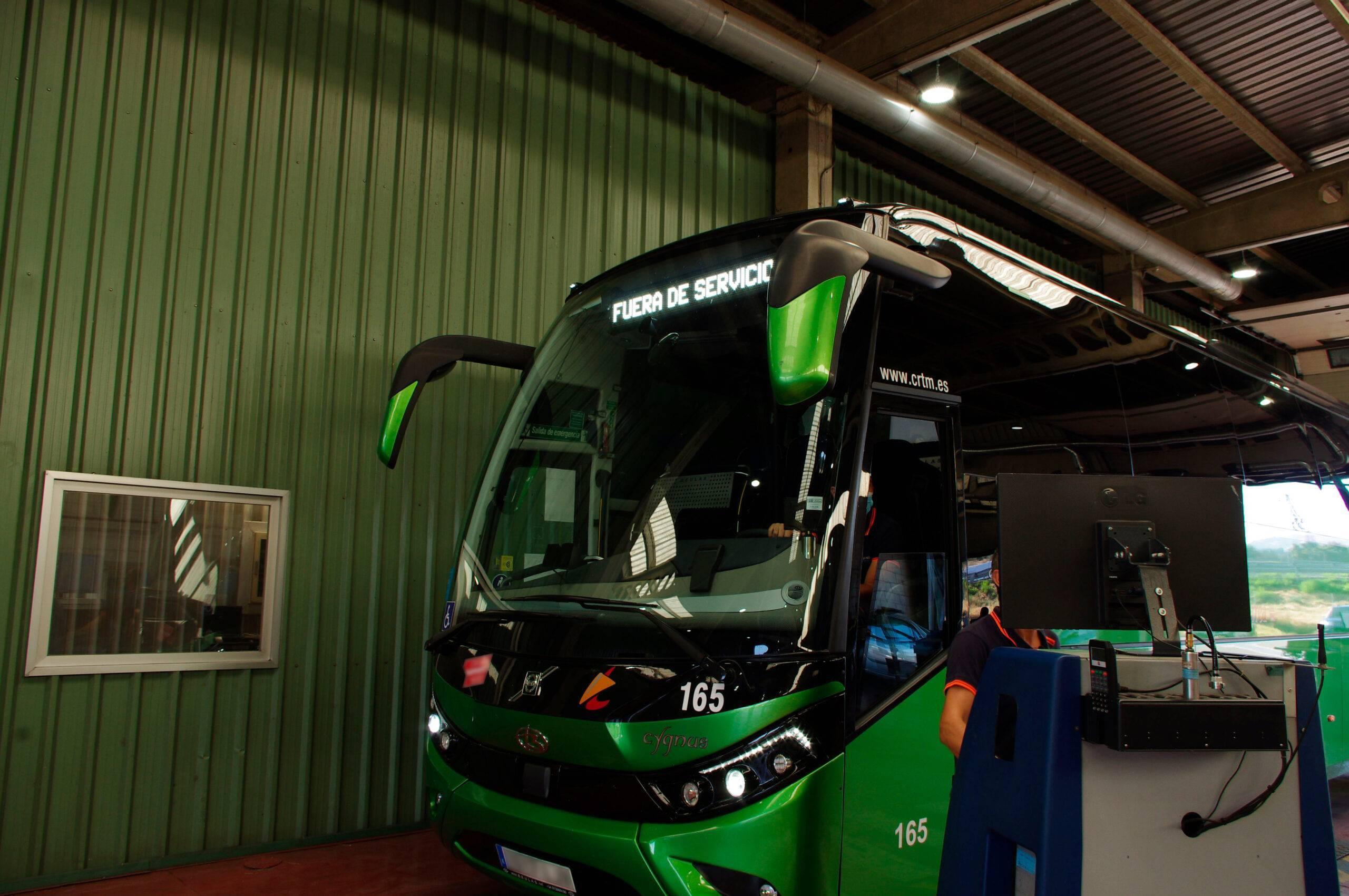 Foto autocar escolar 2 con blur
